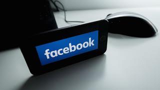 Orang Bahagia Tampilkan Profil Asli di Facebook