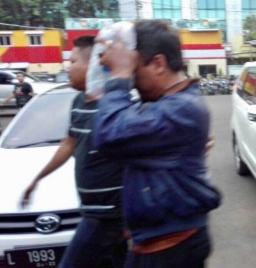 Lurah Bubutan Ditangkap Polisi Akibat Diduga Pungli ke PKL