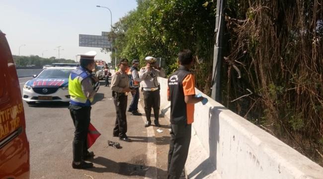 Ditemukan Mayat Korban Tabrak Lari Di Tol Arah Soetta
