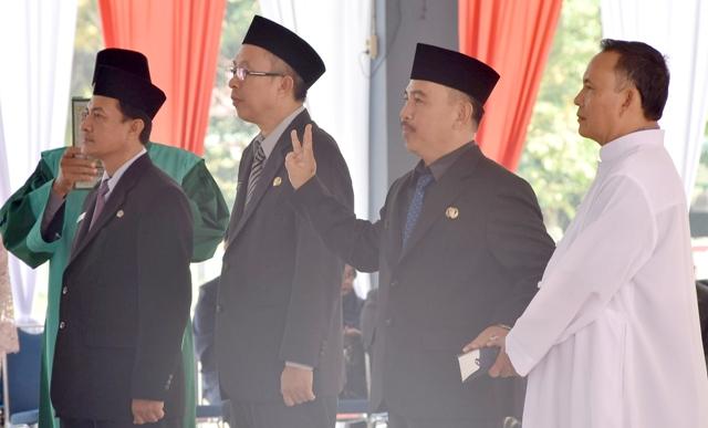 Bupati Sintang Lantik Tiga Pejabat Pimpinan Tinggi Pratama Hasil Lelang Di Pendopo