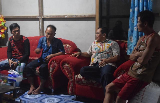 Wakil Bupati Sintang Melakukan Rapat Koordinasi Pelaksanaan Pembangunan Jalan Dan Pipa Air Bersih Desa