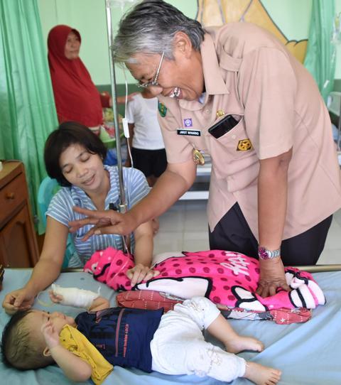 Peringati HUT RI Ke-73, Pemkab Sintang Laksanakan Anjangsana