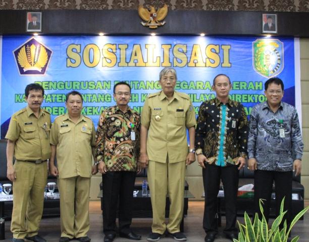 Jarot Buka Sosialisasi Pengurusan Piutang Negara/Daerah Kab. Sintang Oleh Kanwil DJKN Pontianak