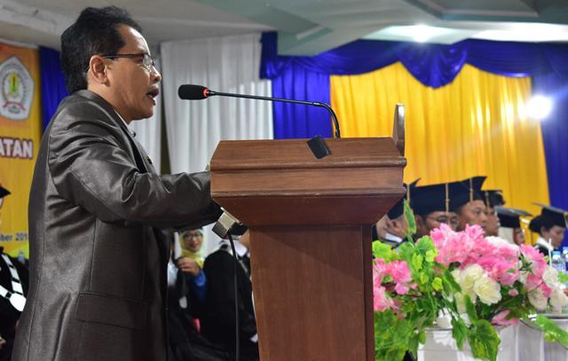 Syarifuddin Hadiri Wisuda Sarjana (S1) Universitas Kapuas Angkatan XV Tahun 2018