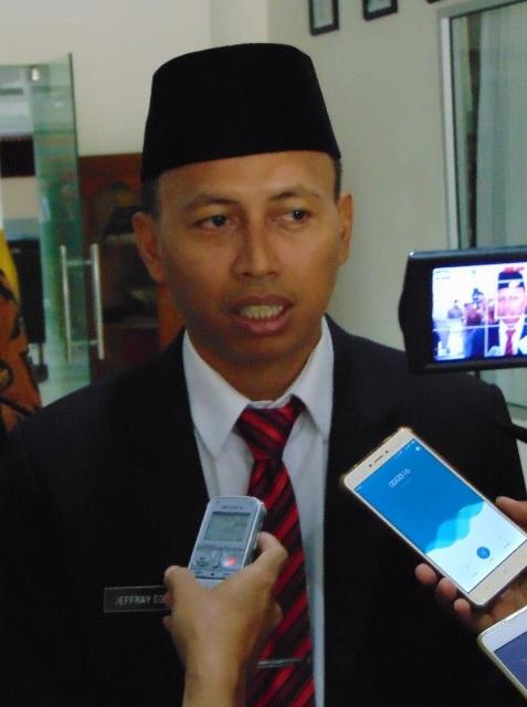 Tanggapan Ketua DPRD Sintang Usai Melantik Pengganti Antar Waktu DPRD Sintang