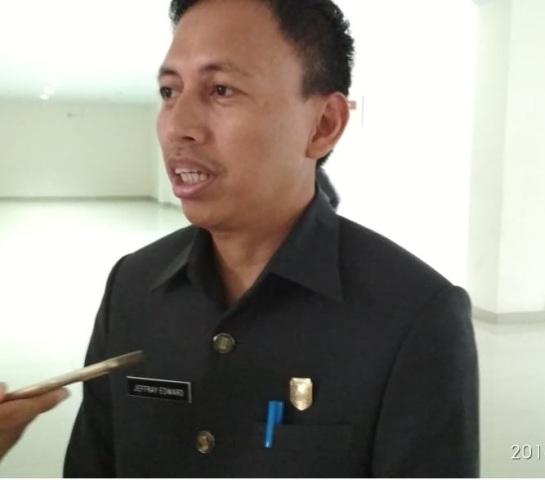 Jeffray Ketua DPRD Menanggapi Pemadaman Listrik di Kabupaten Sintang