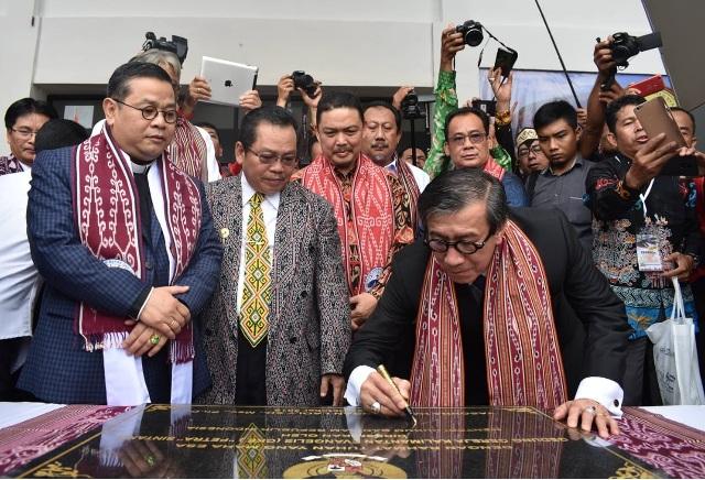 Wakil DPRD Kabupaten Sintang Dampingi Kunjungan Kerja Kemenkumham Di sintang