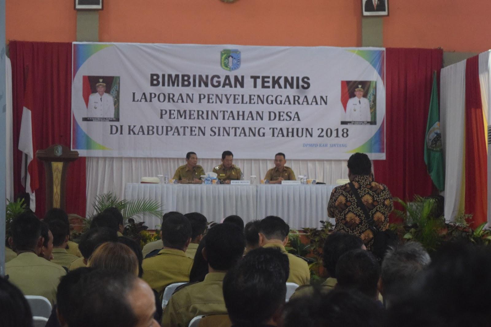 Wakil Bupati Sintang Membuka Bimtek LPJ Desa
