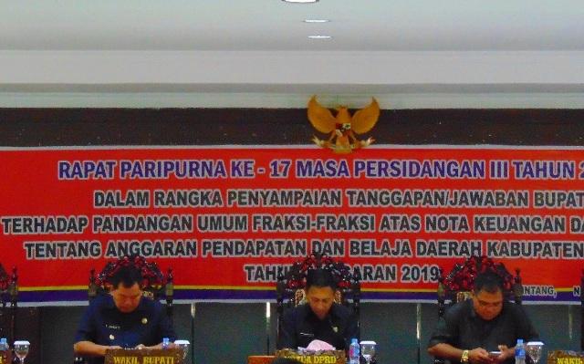 Rapat Paripurna Ke 17 Masa Persidangan Ke 3 DPRD Kabupaten Sintang
