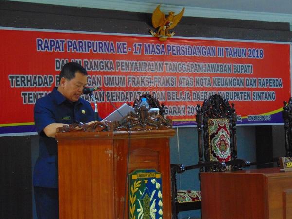 Wakil Bupati Sintang Menyampaikan Jawaban Pemerintah pada Paripurna Ke 17 DPRD Sintang