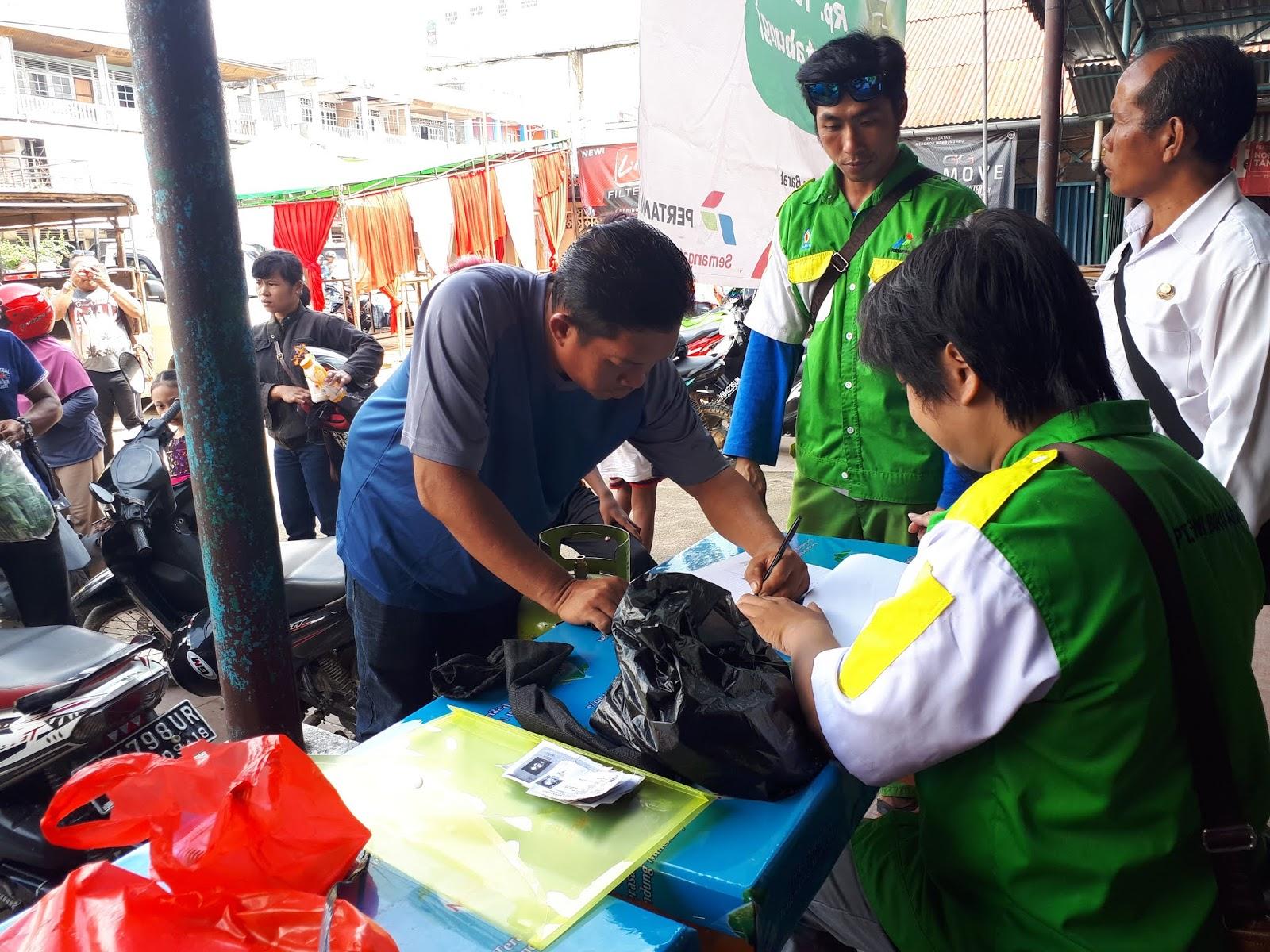 PT. Dewi Biru Abadi  Menyalurkan langsung 560 Elpiji 3 Kg untuk masyarakat miskin.