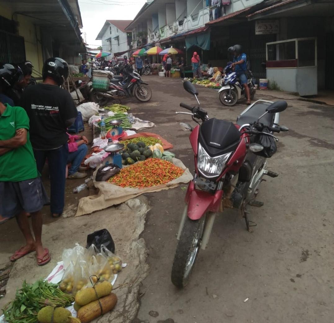 Situasi Pasar Tradisional Di Kota Nanga Pinoh di Akhir Tahun 2018.