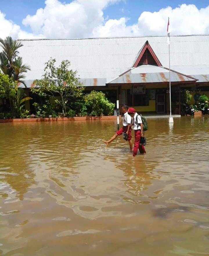 SDN 41 Sungai Ambawang Langganan Banjir