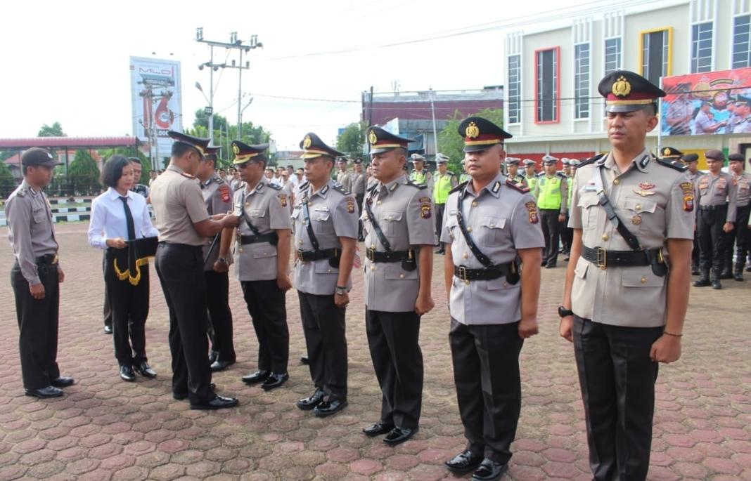 Berikut Nama-Nama, Serah terima Jabatan,di Jajaran Polres Sanggau.