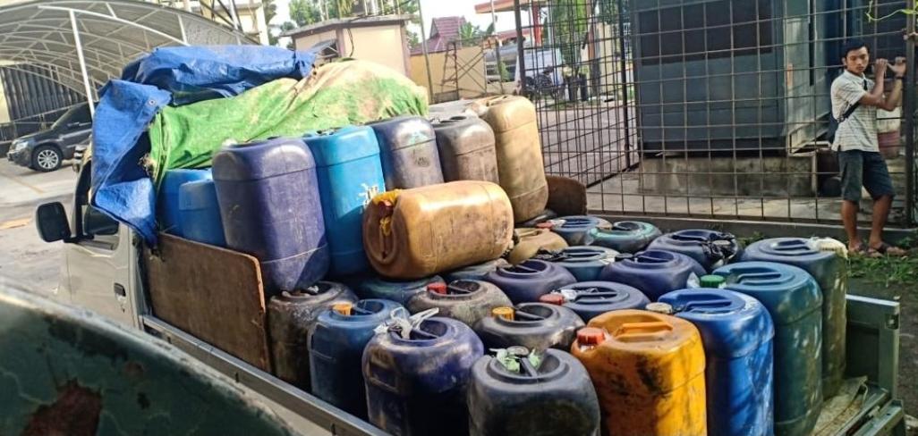 1785 Liter BBM Ilegal diamankan Direktorat Resort Kriminal Khusus Polda Kalbar