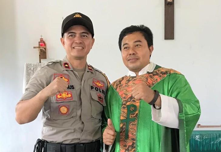 Kehadiran Waka Polres Sanggu disambut baik umat Paroki Mukok