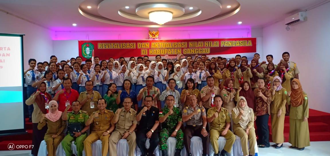 PJ.Sekda Sanggau Buka Revitalisasi dan Aktualisasi Nilai-Nilai Pancasila di Kabupaten Sanggau.