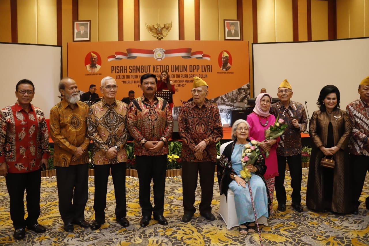 Foto : Panglima TNI Hadiri Pisah Sambut Ketua DPP LVRI
