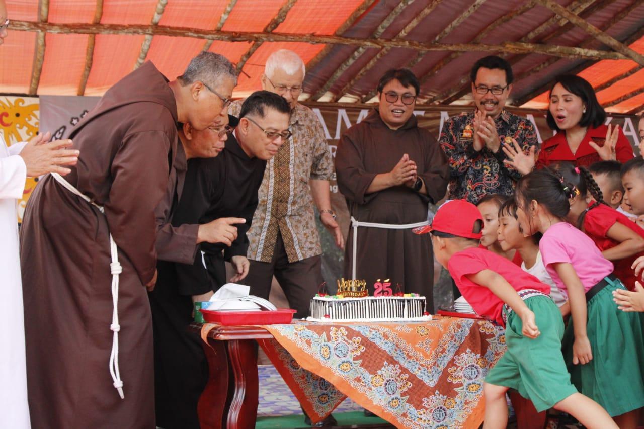 Bupati Sanggau Diwakili Staf Ahli Bupati, Berpesan Imam Agar Tetap Setia Dalam Melayani Umat Dengan Penuh Kasih Sayang