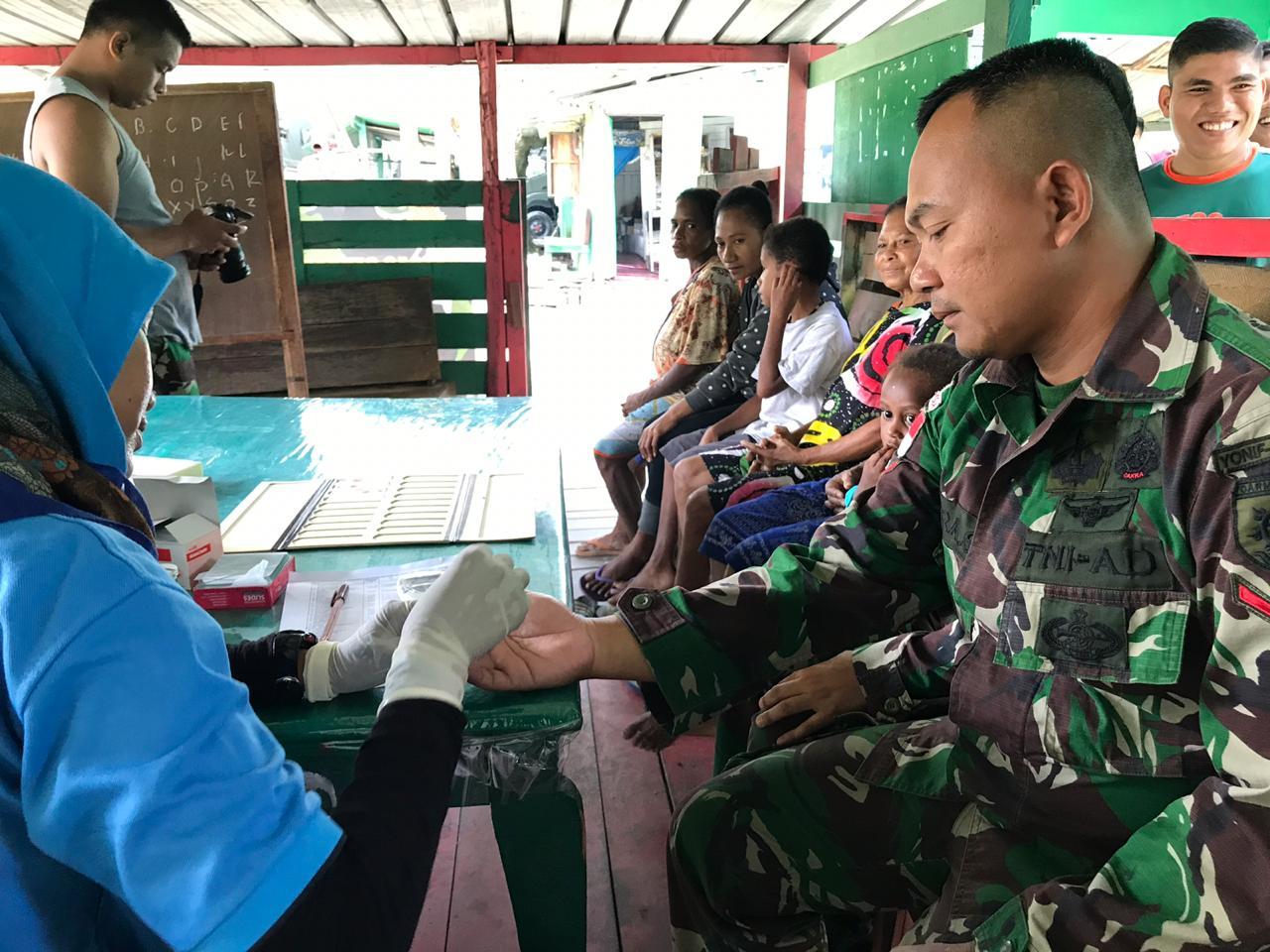 Cegah Wabah Malaria di Perbatasan RI-PNG, Satgas Yonif 509 Gelar Cek Darah
