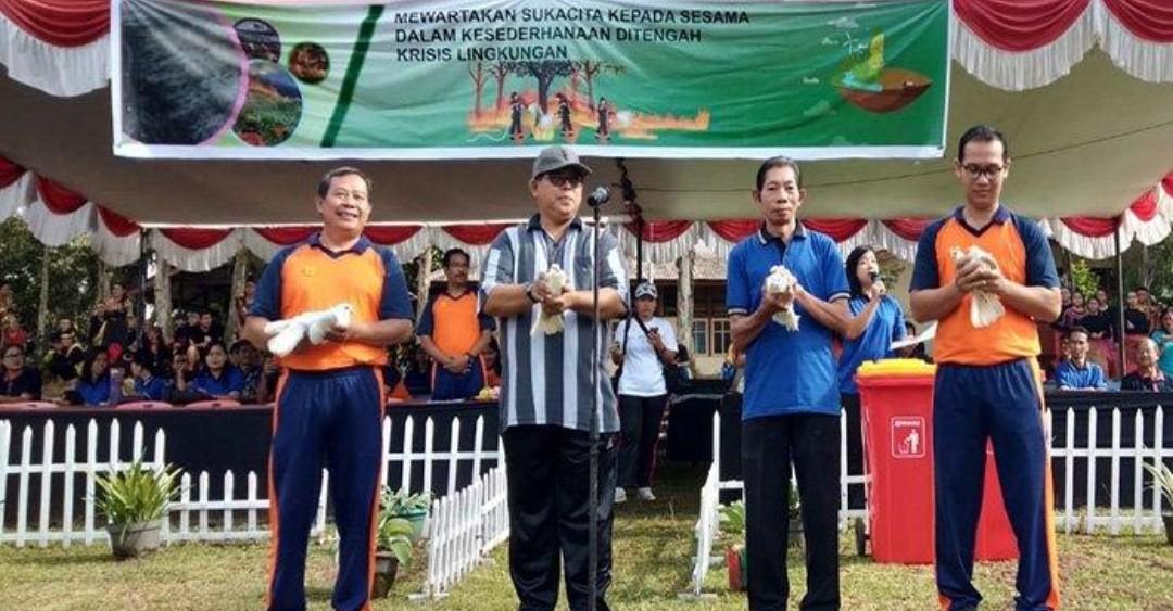 YPHB Sanggau, Pelepasan burung Merpati tanda perdamaian dan Kampnyekan penggunaan Plastik