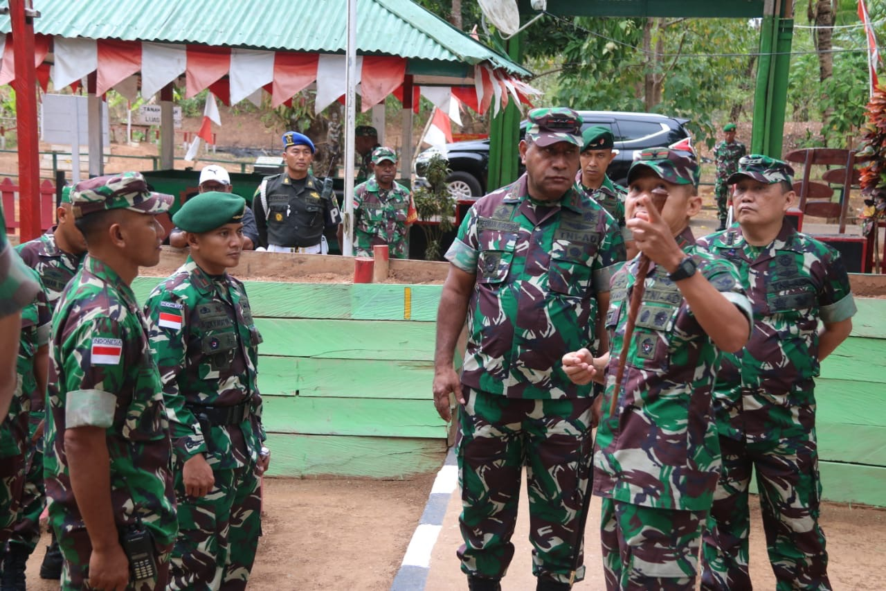Pangdam XVII/Cenderawasih Kunjungi Satgas Yonif MR 411/PDW Kostrad