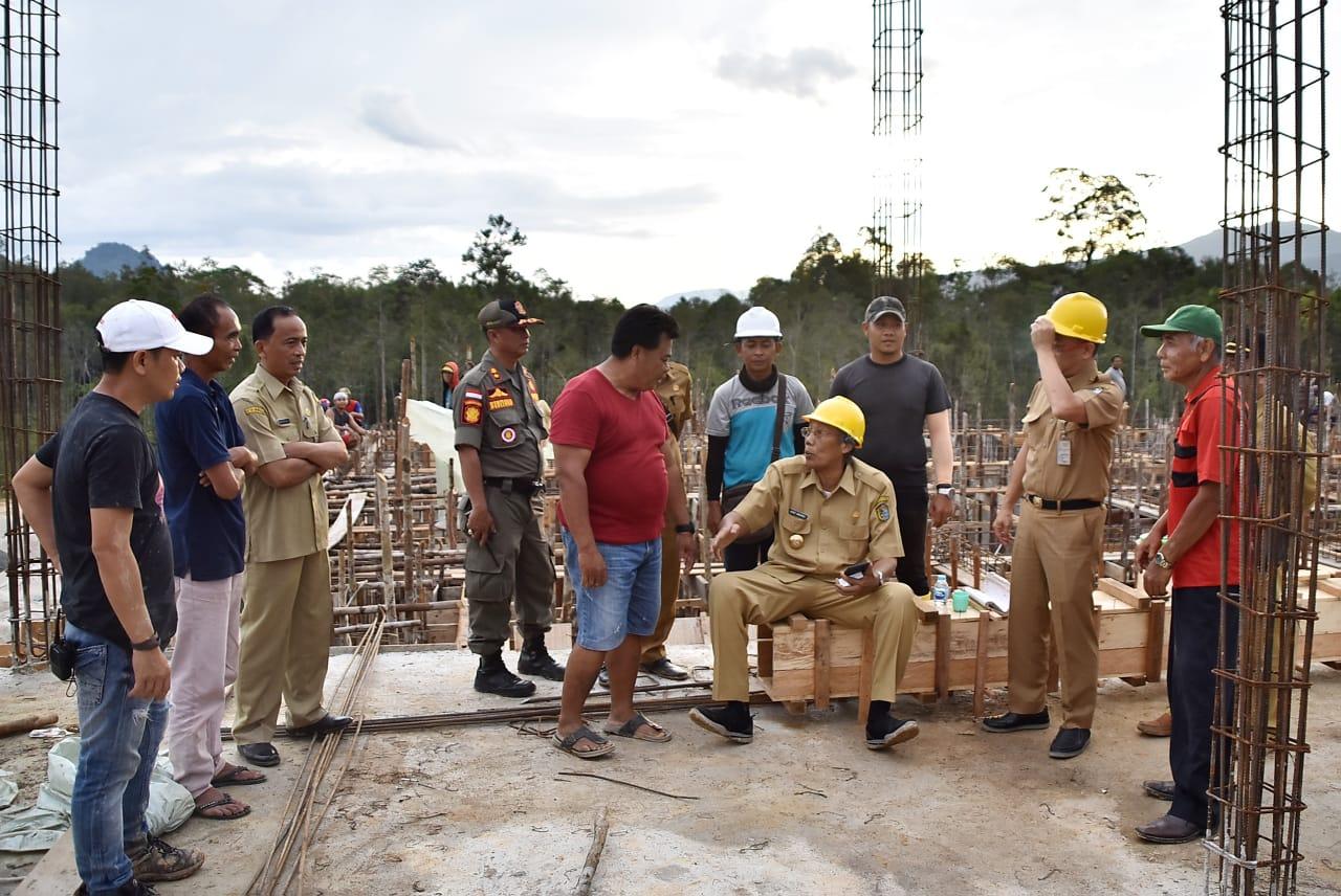 Jarot Tinjau Peroses Pembangunan Puskesmas Di Desa Jasa