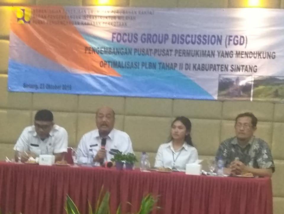 Kartiyus Buka FGD Pengembangan Pusat Pemukiman Untuk Mendukung Optimalisasi PLBN Sungai Kelik