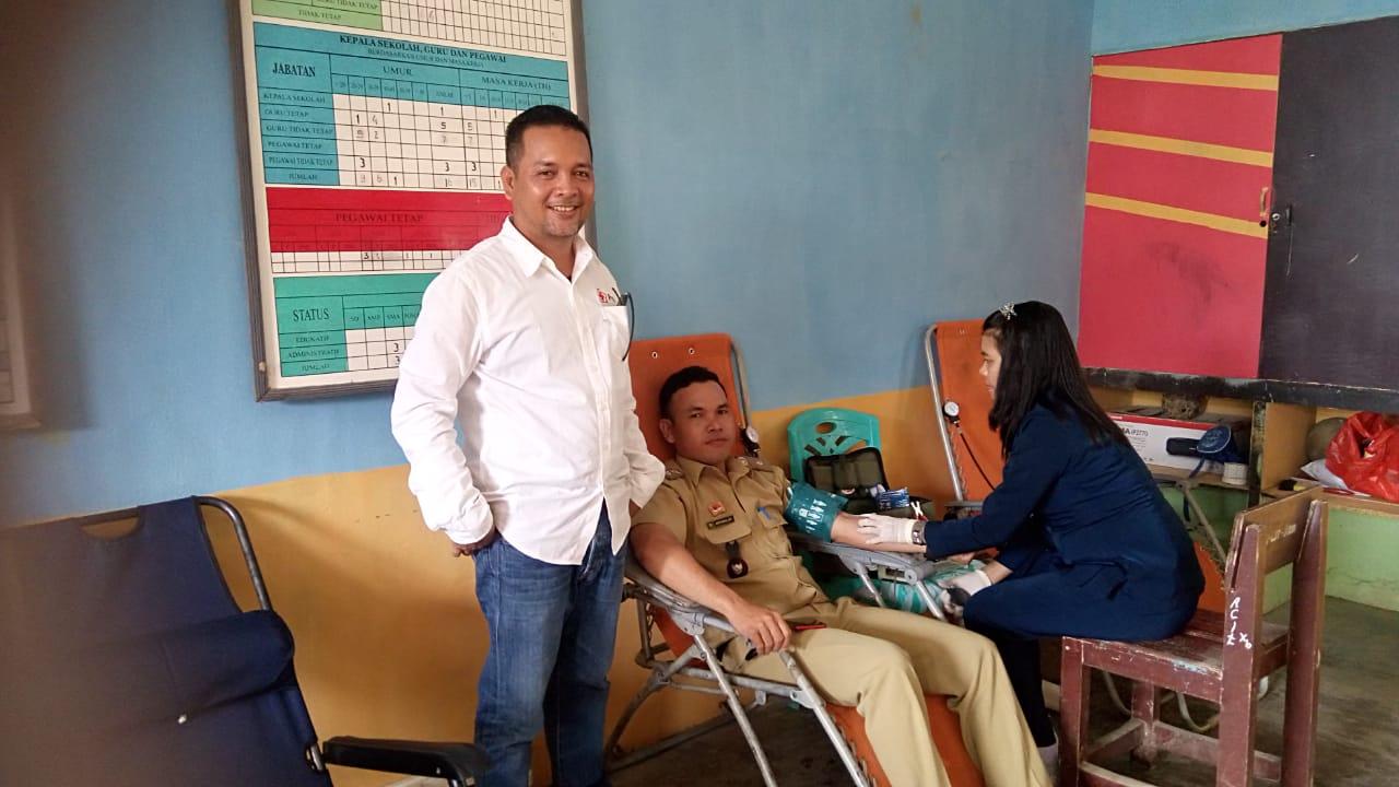 Gelar Donor Darah Sukarela PMI Sanggau Libatkan Pelajar dan Perangkat Desa di Kecamatan Mukok