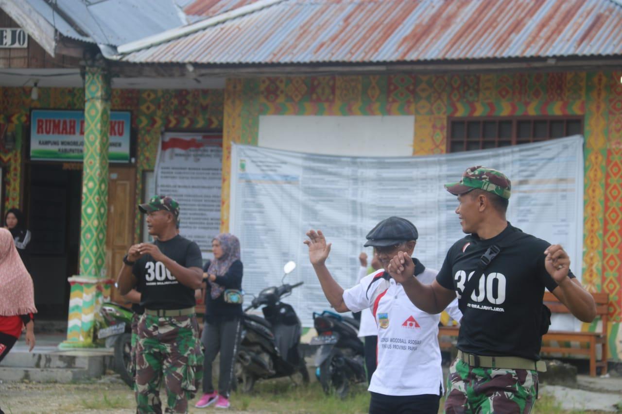Bersama Masyarakat Satgas Raider 300 Senam Bersama