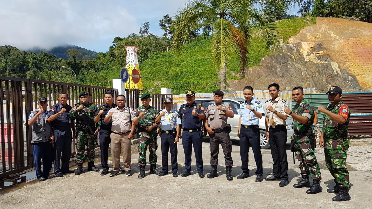 Bea dan Cukai Entikong bersama instansi terkait Lakukan Posko dan Oprasi Bersama tertibkan Zona Netral