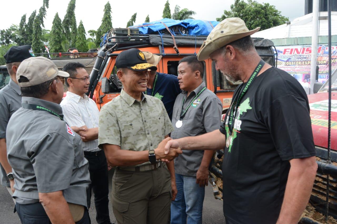 Pangdam XII/Tpr Sambut Peserta Borneo Equator Expedition 2019 di Bumi Khatulistiwa