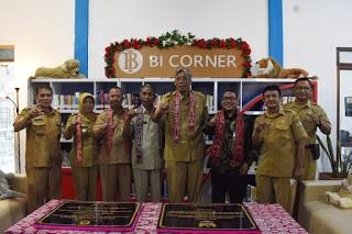 Bupati Sintang Peresmian Bank Indonesia (BI) Corner Trail Literasi