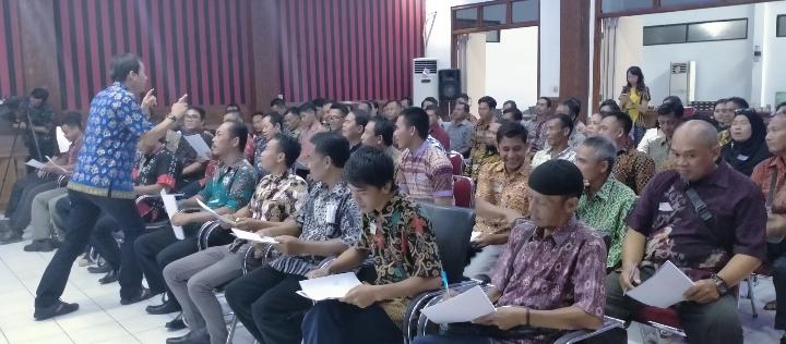 PDAM Sanggau Tingkatkan SDM dengan lakukan kegiatan memberi motivation and Teamwork Training