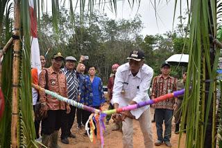 Jarot Ajak Masyarakat Deklarasi ODF Di Desa Mensiap Baru Kecamatan Tempunak