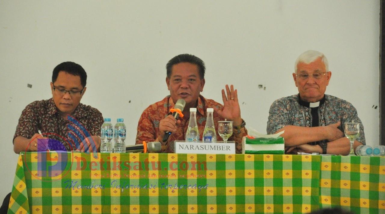 Bupati Sanggau Mengajak Masyarakat Untuk Cerdas Melihat Dinamika dan Permasalahan Yang Ada di Masyarakat