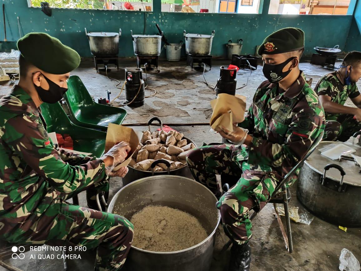 TNI Siapkan Ribuan Nasi Bungkus Setiap Hari,Dapur Umum di Tiga Wilayah di Jakarta