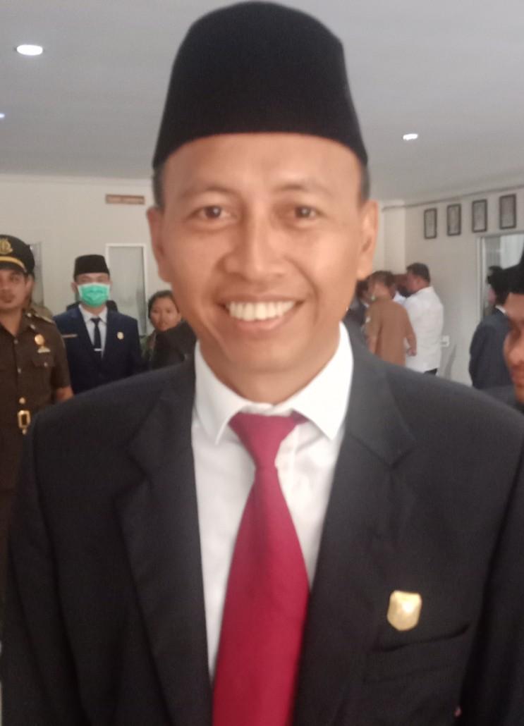 Wakil Ketua DPRD Sintang Minta Warga Sintang Patuhi Pemerintah