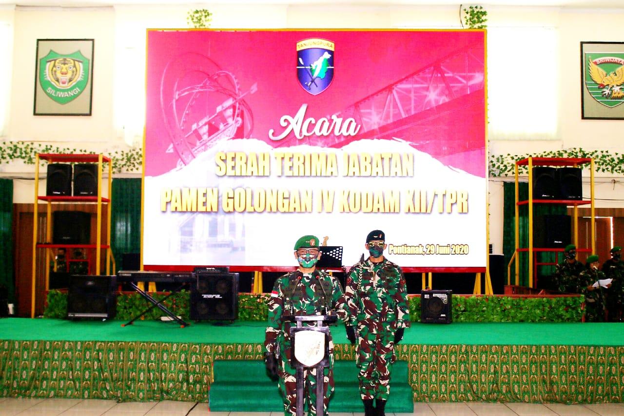 Pangdam XII/Tpr Pimpin Sertijab dan Penyerahan Jabatan Perwira Golongan IV