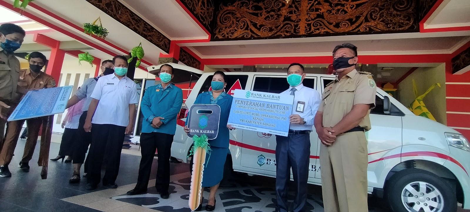 Satu Unit Mobil Ambulance di Serahkan Bank Kalbar Kepada PMI Sanggau