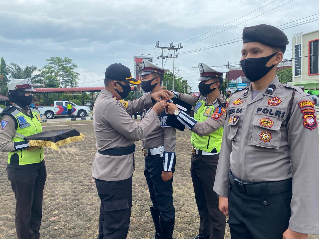 Gelar pasukan patuh kapuas 2020 Polres Sanggau pedomani protokol kesehatan