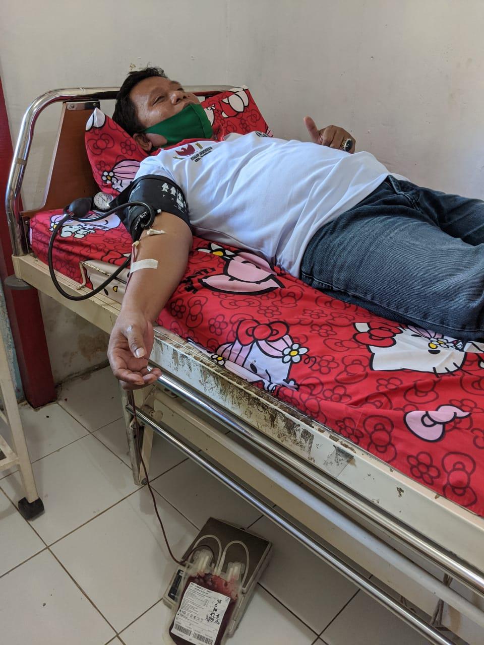Peringati Hari Anak Nasional Ketua DPC PPWI Kabupaten Sanggau lakukan  Donor Darah Sukarela