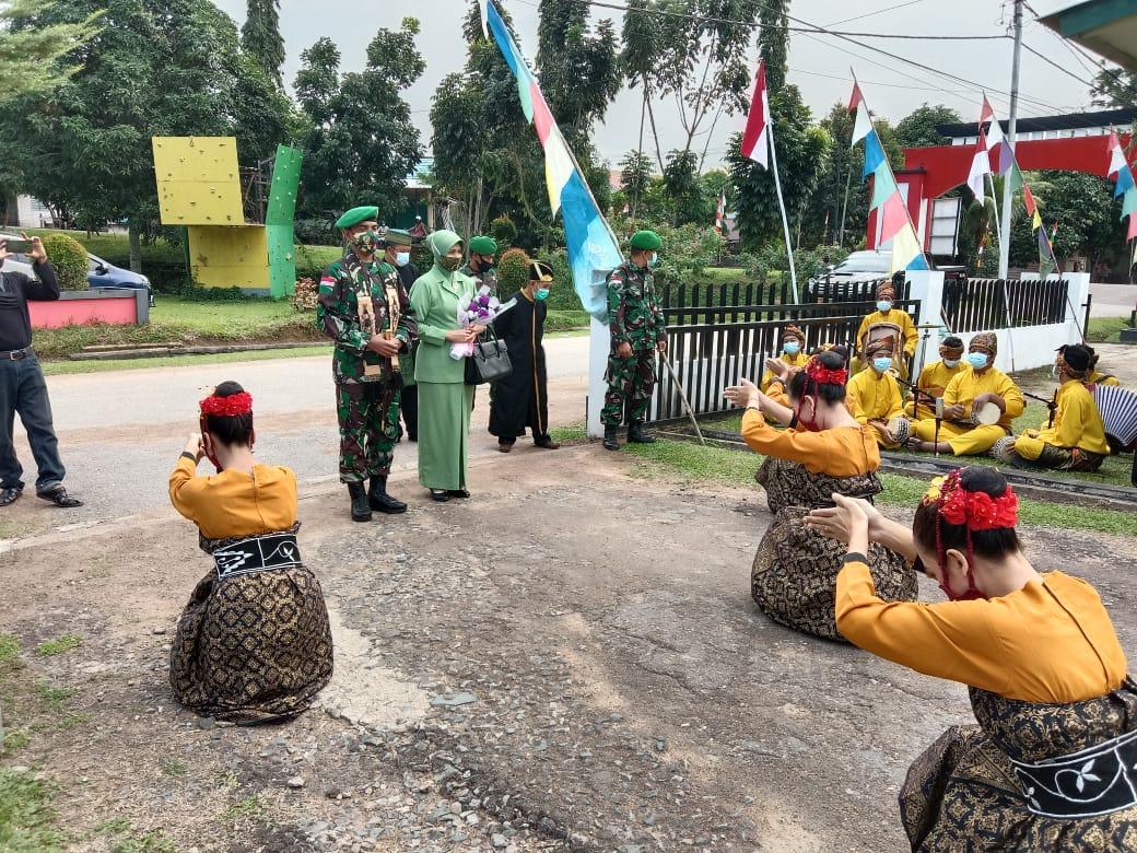 Letkol Inf Affiansyah, S.P Disambut Dengan Tradisi Tempung tawar, Tarian Adat Melayu Di Bumi Daranante