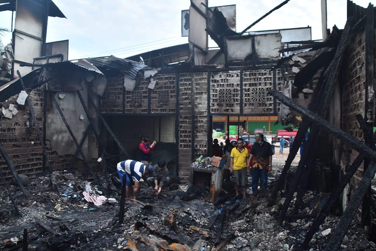 Kepada Warga Terdampak Musibah Kebakaran Bupati Sintang Siap Bantu