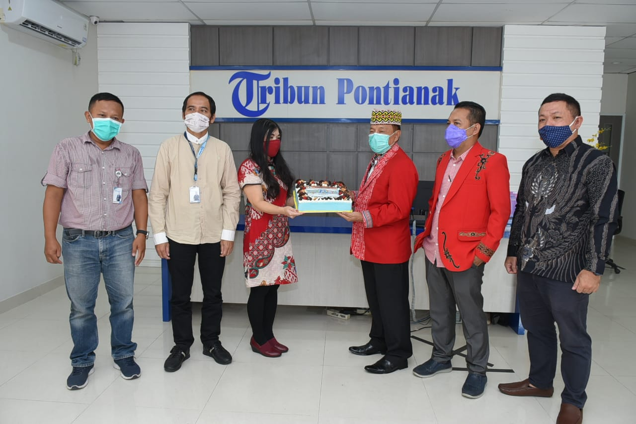 Ketua DAD Kabupatenn Sanggau Hadir di HUT Tribun Pontianak