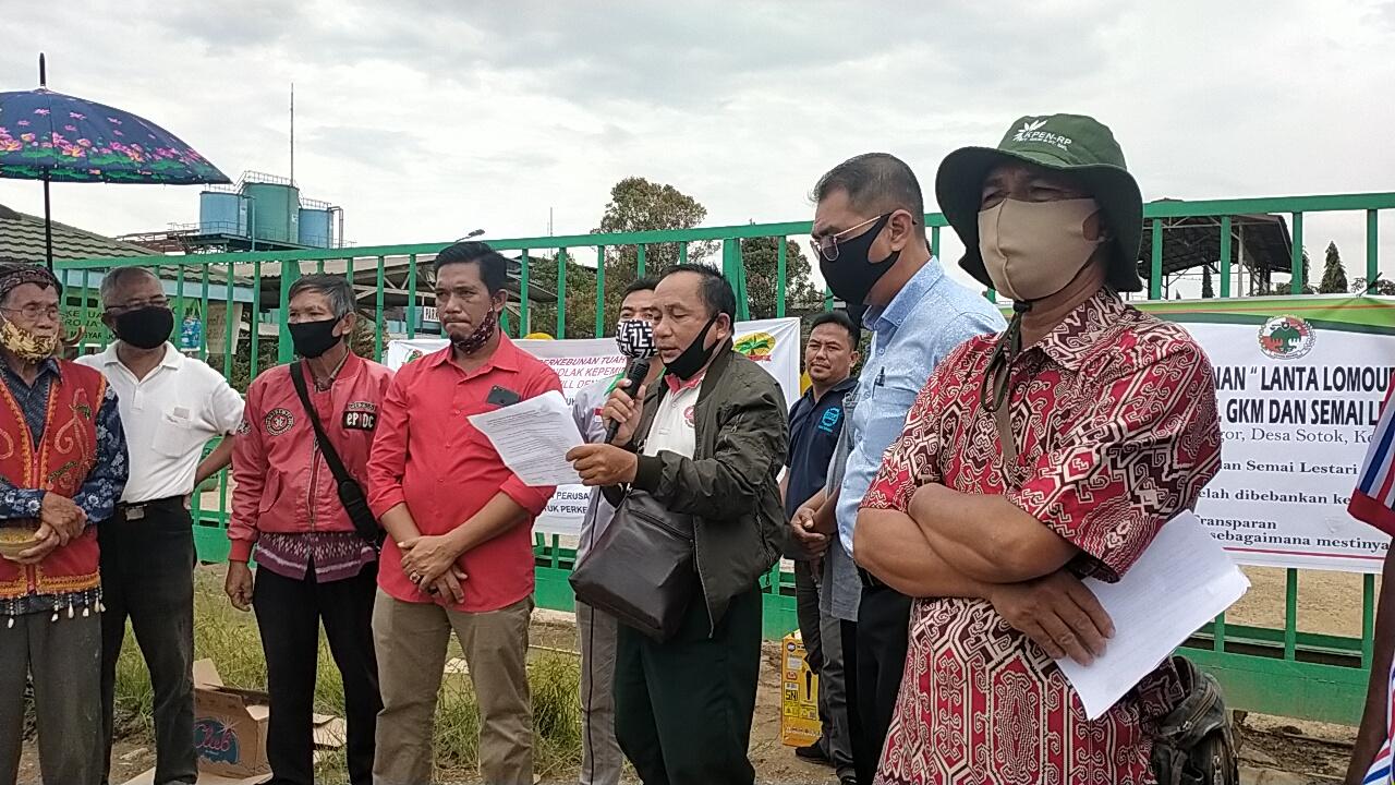PT. Global Kalimantan Makmur Ahirnya Disegel Oleh 3 Koperasi