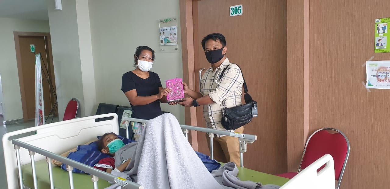 Kabaharkam Polri Bantu Pengobatan Remaja Putri Lumpuh Layu Asal Deli Serdang