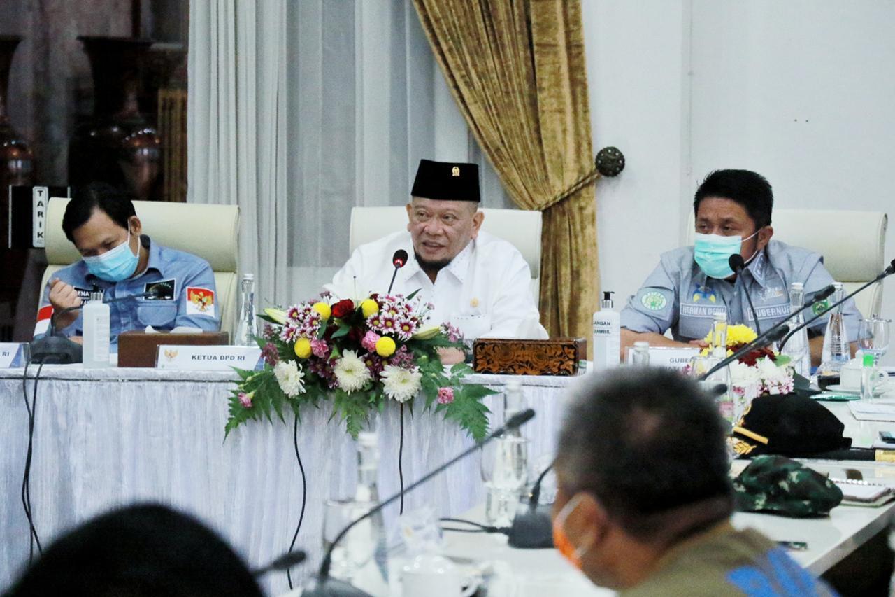 Ketua DPD RI Minta Semua Gubernur Pangkas Hambatan Ekonomi dan Fokus Kemudahan Berusaha
