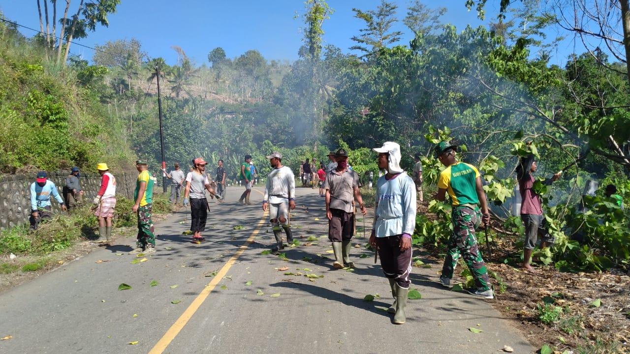 Satgas Yonif 413 Kostrad Gelar Karya Bhakti di Kampung Kukup