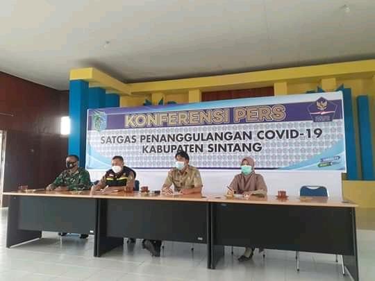 Konferensi Pres Mempublikasikan Perkembangan Penanganan Covid Di Sintang